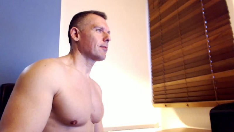 Click to watch Tom Fox on cam