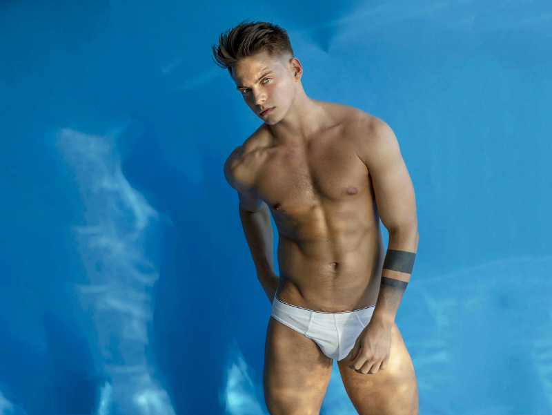 click to see Mark Eden on cam