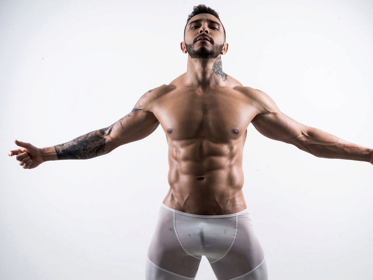 Click to watch cam guy Geffrey White in action