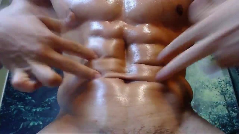 Niklause Froyd has awesome abs