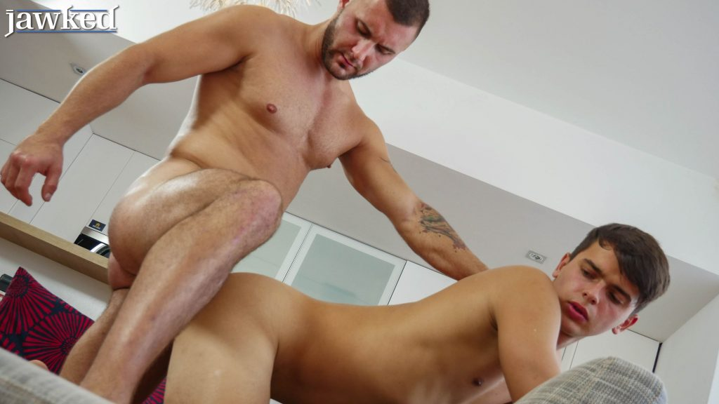 David Lee sinks his muscle daddy cock into Finn Harper at Jawked