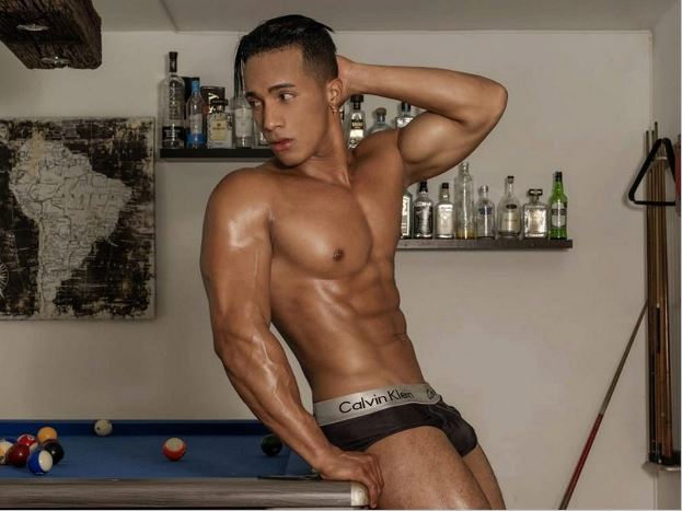 gay live chat model