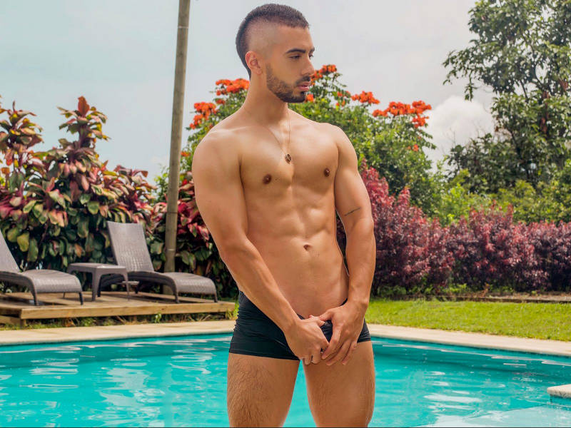 Latino jock on cam Liam Wells