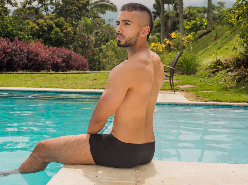 Latino jock on cam on gay live chat