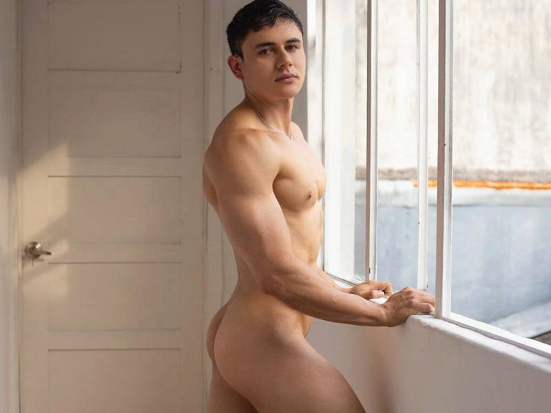 Aron Connor muscle boy cammer